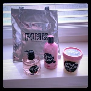 Pink beauty bundle wash/scrub/oil /bag